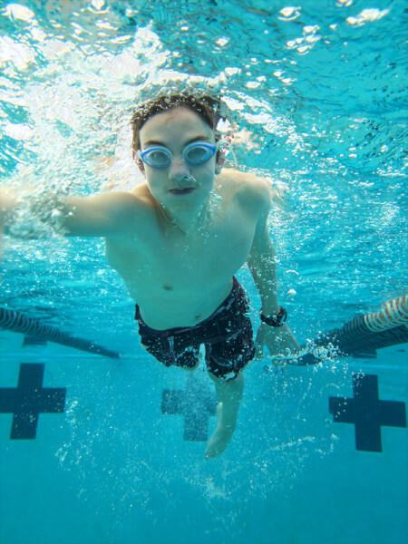 canstockphoto18700843 teen swim